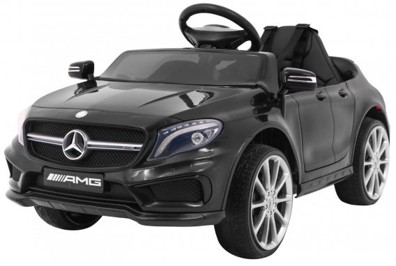 Mercedes AMG GLA-45 Black