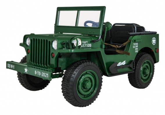Retro Military Vehicle 4x4 Green